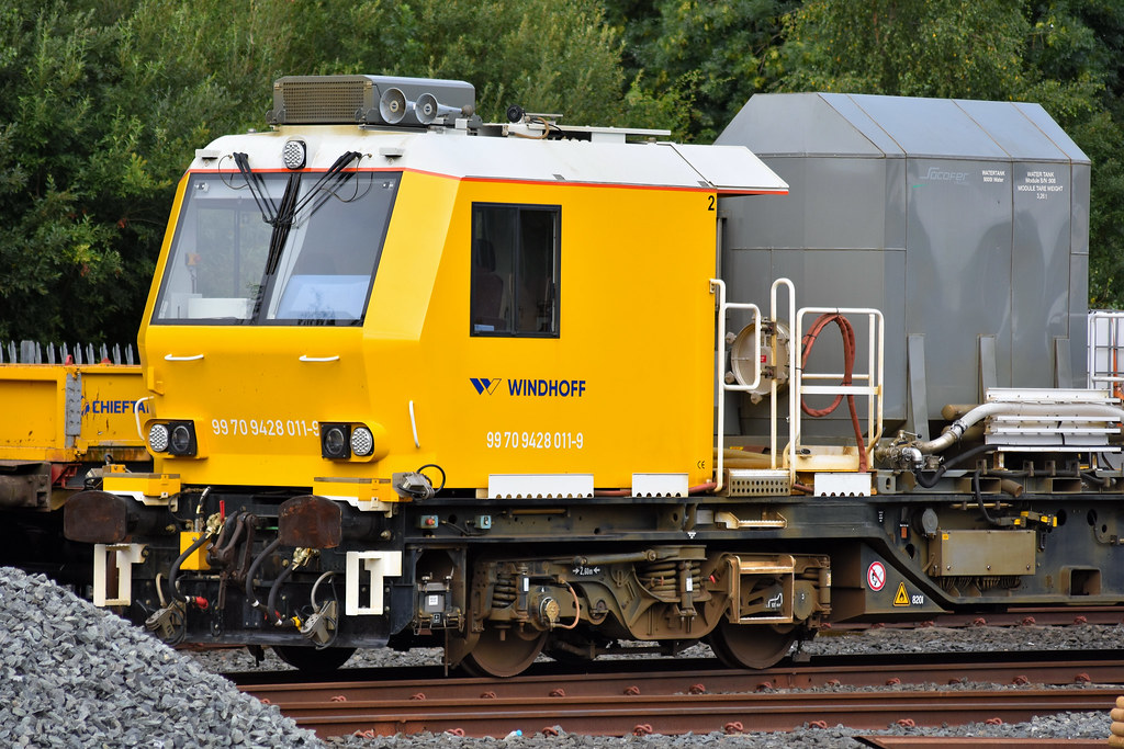 Railway vehicle